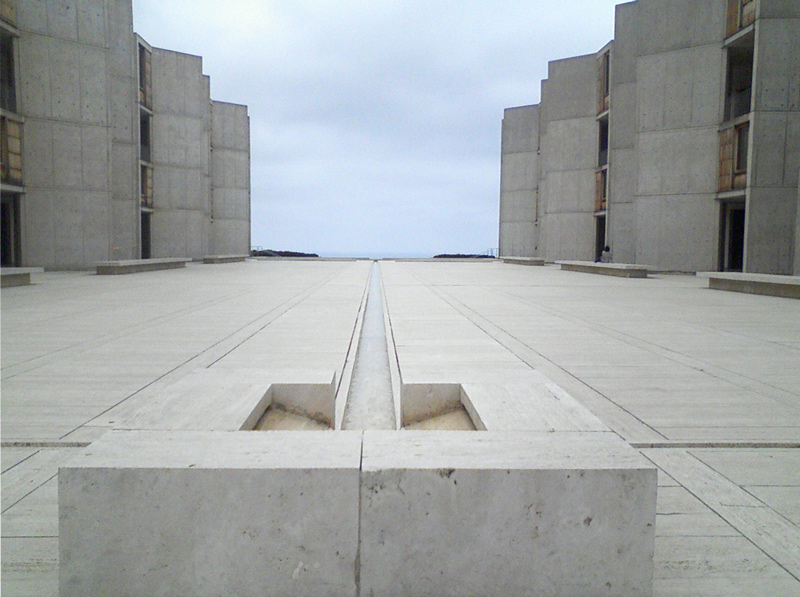 Salk Institute plaza
