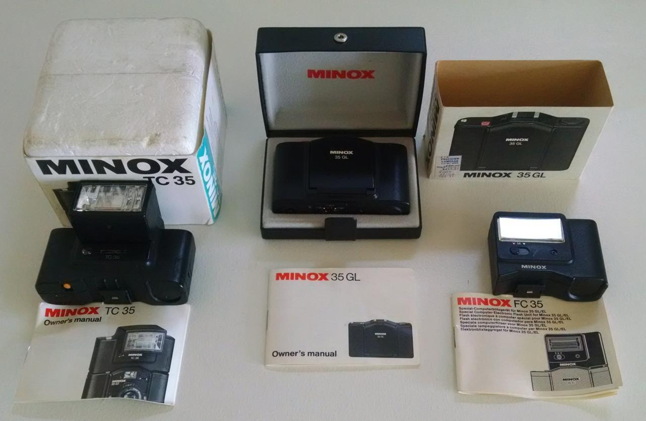 Minox 35 GL and various flashes